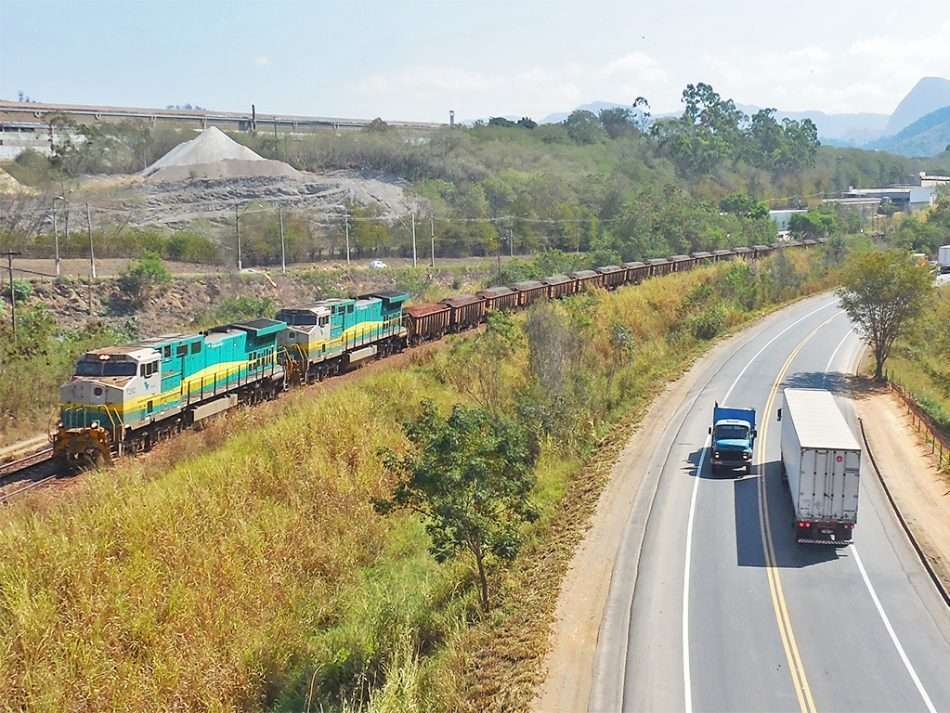 Ferrovias de Minas Gerais são 50 vezes menor do que a malha rodoviária do estado